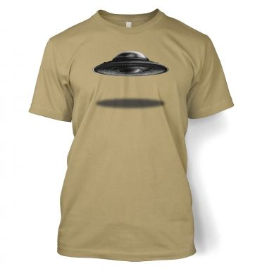 UFO Landing Flying Saucer t-shirt