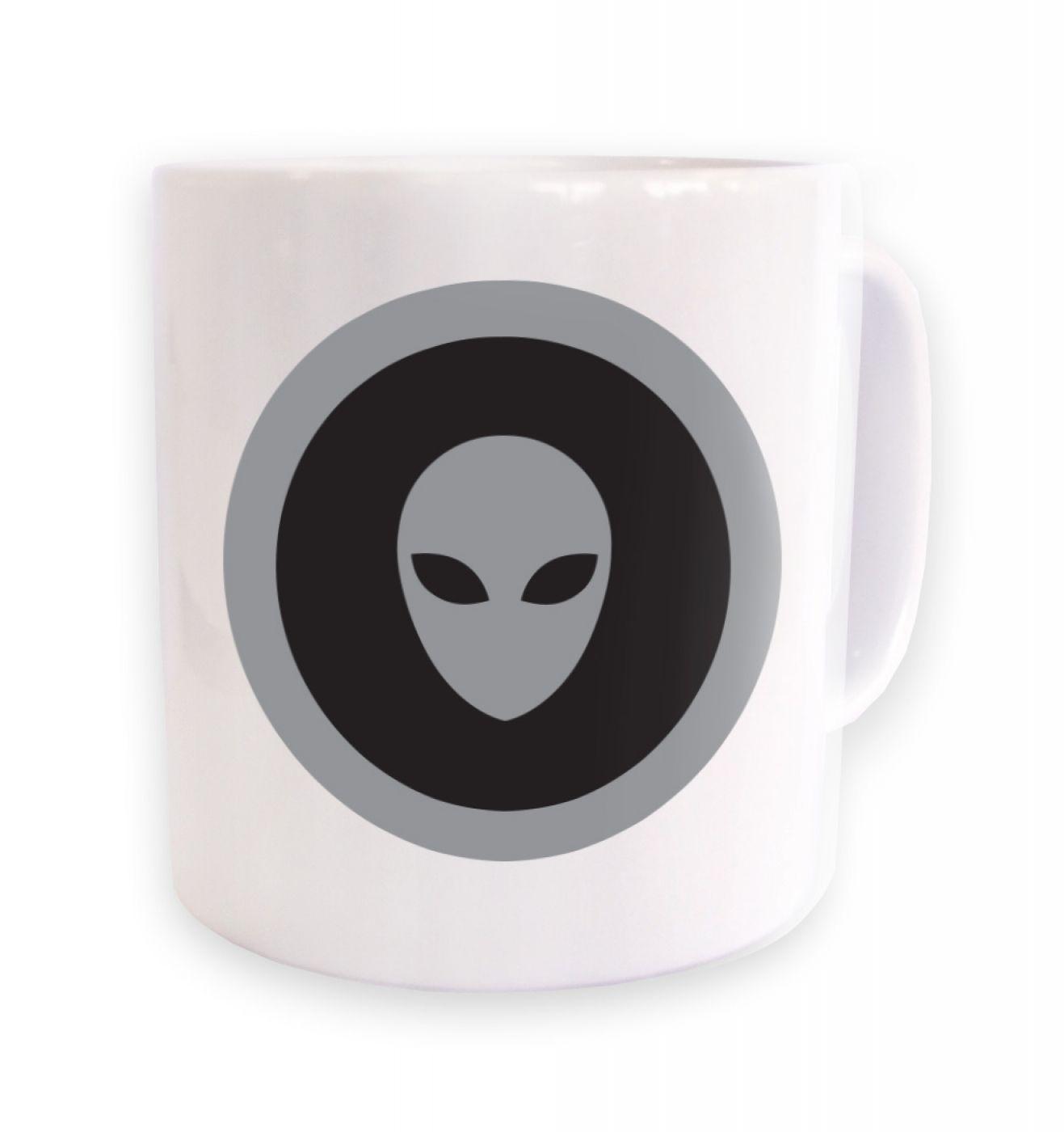 Grey Alien Head Circle Black Fill mug